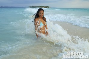 amateur photo Jessica Gomes at the beach