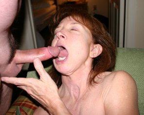 amateur photo mature lady loves cocks