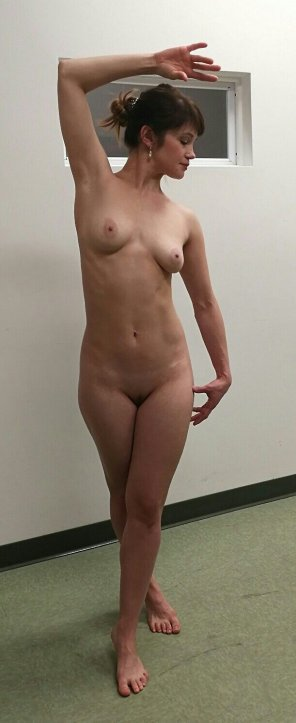 amateur photo PicturePosing for her art class.