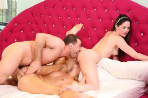 "amateur photo Jenna & Kenna in ""XXX Threeway Games"""
