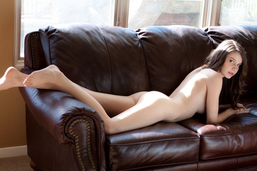 Hawt Irina Anaphe Pretty Face Naked Teen Coolios Erotic Babes Man Images 1