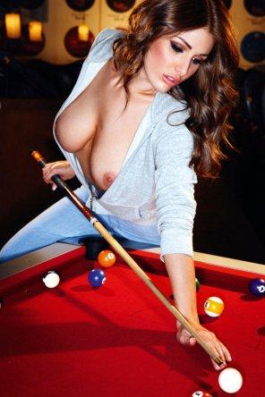 "amateur photo Lucy-Pinder ""Billiard"""