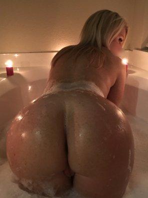 amateur photo Candle bath