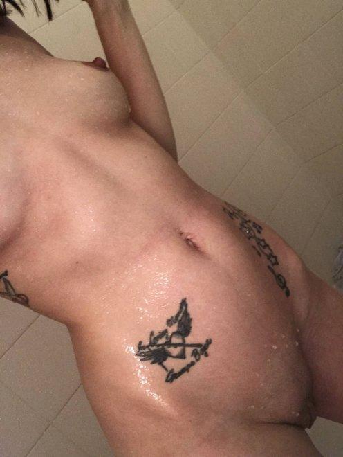Guess i[f] I'm over 21 Porn Photo