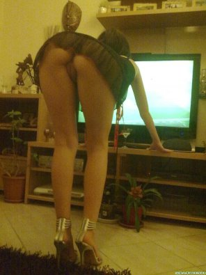 amateur photo Adjusting the TV