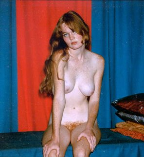 amateur photo Naked Redhead Freckled Girl - Vintage Photo