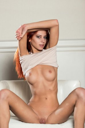 amateur photo Fit redhead Rosa H. nude