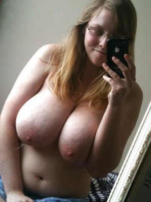 amateur photo Boobie Selfie