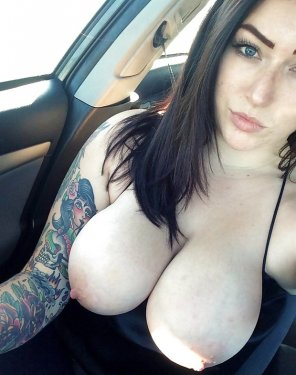 amateur photo Her Pale Makes The Tats POP!