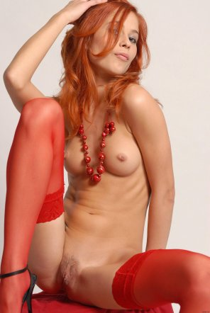 amateur photo Redhead in red
