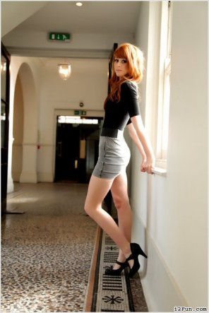 amateur photo Redhead w/ Nice Legs [x-post r/legs]