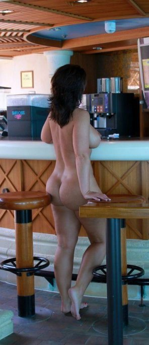 amateur photo Nude Bar