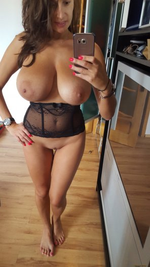 amateur photo Gorgeous milf