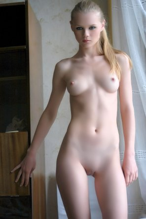 amateur photo Pale blonde