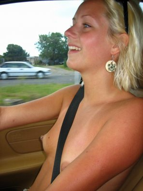 amateur photo Driving topless