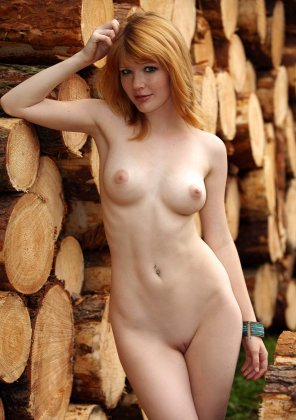 amateur photo She inspires wood