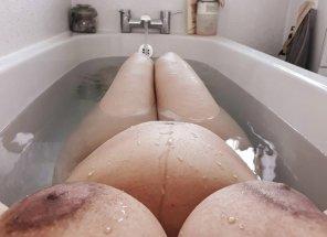 amateur photo Bath Bump!
