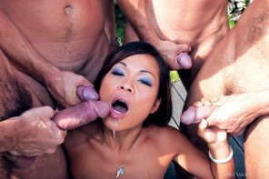 amateur photo Jade Sin gets gang banged by four guys
