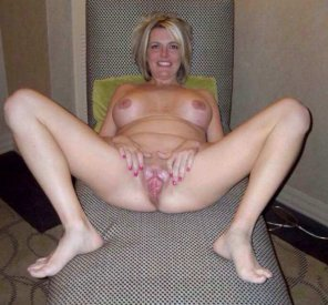 amateur photo Showing off a nice pink spread
