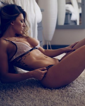 amateur photo Courtney Gardner