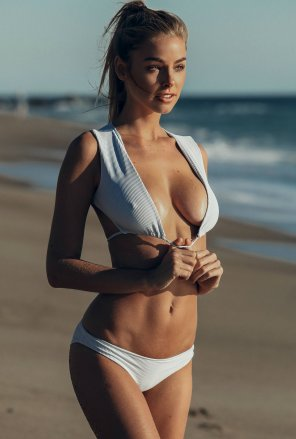 amateur photo Elizabeth Turner