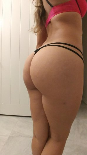 amateur photo Shes teasing me while im at work!