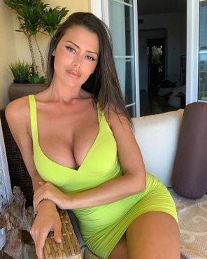 amateur photo Who Likes Green?