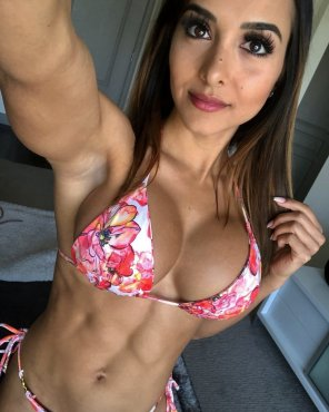 amateur photo Vanessa Serros