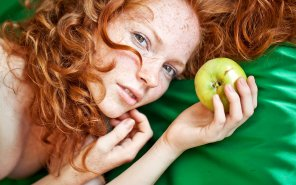 amateur photo Offering an apple