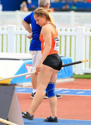 amateur photo Pole Vault Hottie