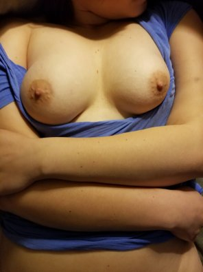 amateur photo IMAGE[Image]Cover my tits please :)