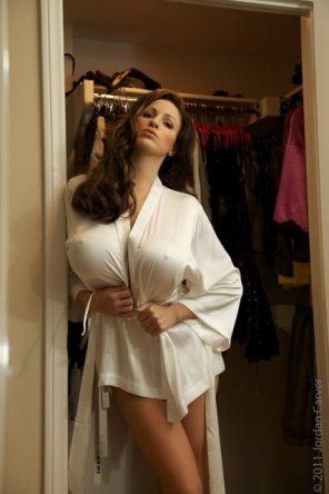 amateur photo Sexy in her robe