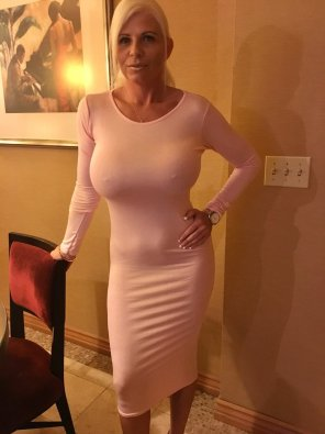 amateur photo Claudette in a pink dress