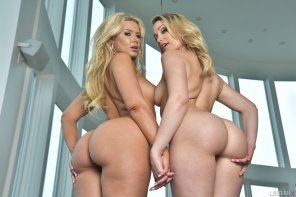 amateur photo Dream duo Anikka Albrite and Mia Malkova