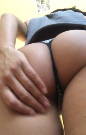 amateur photo Wife showing off her perfectly round Asian ass.. What would you do!?