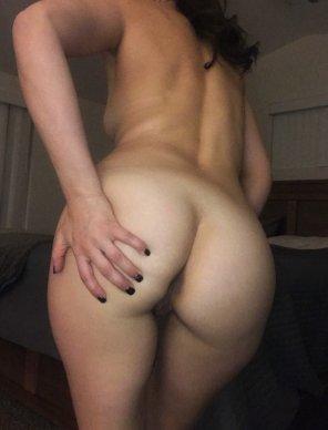 amateur photo I'm petite, but thankfully my ass isn't 😉 [f-]