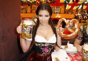 amateur photo Beer, Kim & a Pretzel - Oktoberfest Style