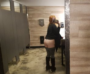 amateur photo I can't ever pass up a big mirror booty shot in public! [OC] [F]