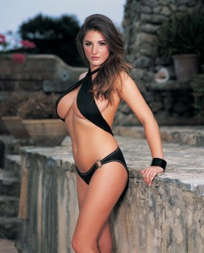 amateur photo Lucy Pinder in 2003