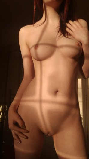 amateur photo Start with the neck and [f]ollow the shadows down my body...