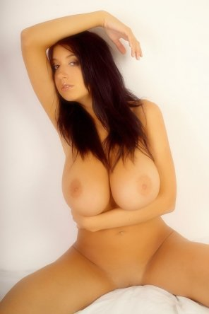 amateur photo Beautiful brunette Maria Swan