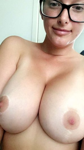 amateur photo [Image] Hey!! Could you help me out with a titty fuck??.. let me know if u would!!