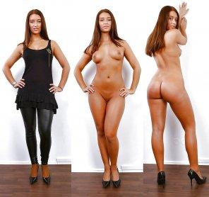 amateur photo Black leggings on/off