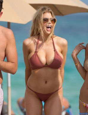 amateur photo Charlotte McKinney can't be contained