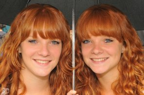 amateur photo Identical twins