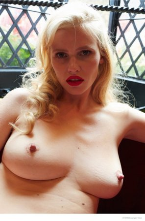 amateur photo Lara Stone for System Magazine