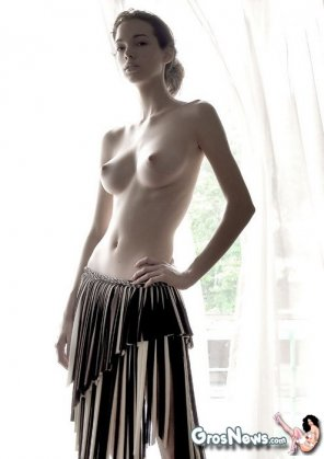 amateur photo Pale ballerina type with beautiful breasts