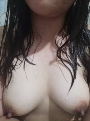 amateur photo Join me in the shower pretty please? [31f]