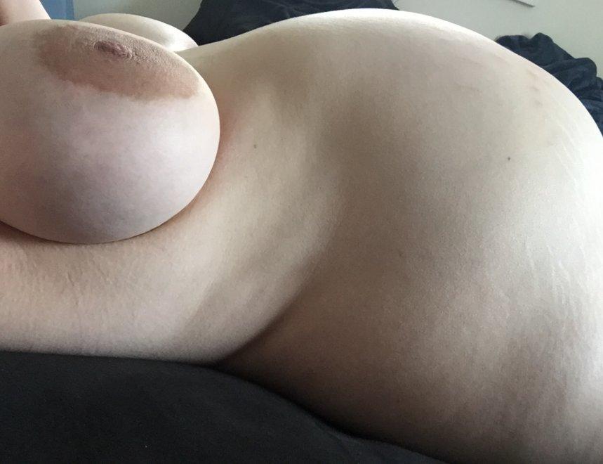 I'm 8.5 months pregnant Porn Photo
