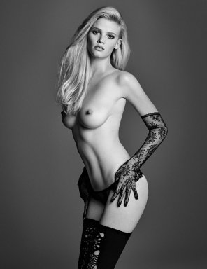 amateur photo Lara Stone